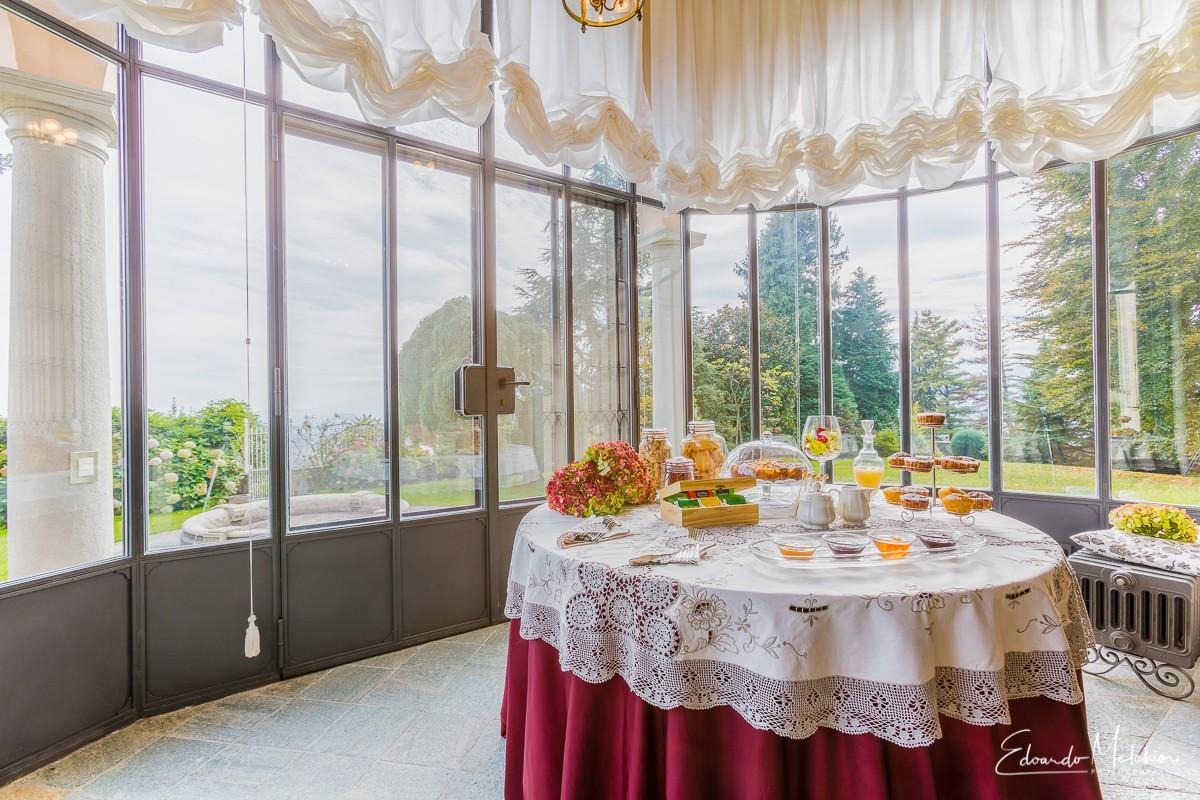 Buffet in villa
